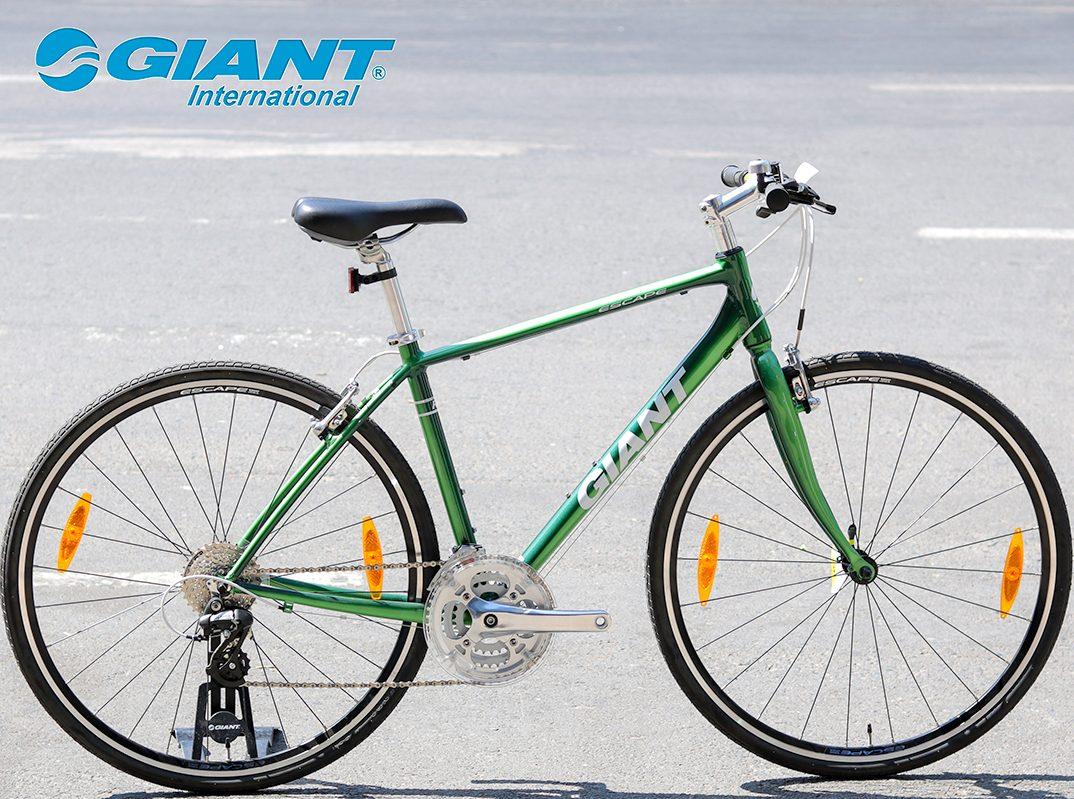 Escape R3 phiên bản xanh lá độc đáo, giá niêm yết 8.990.000 đồng