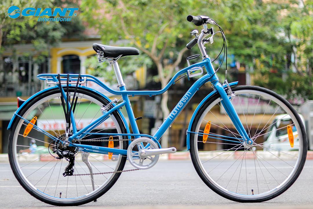 Xe đạp thể thao nữ Momentum với màu xanh hài hòa dành riêng cho các nàng