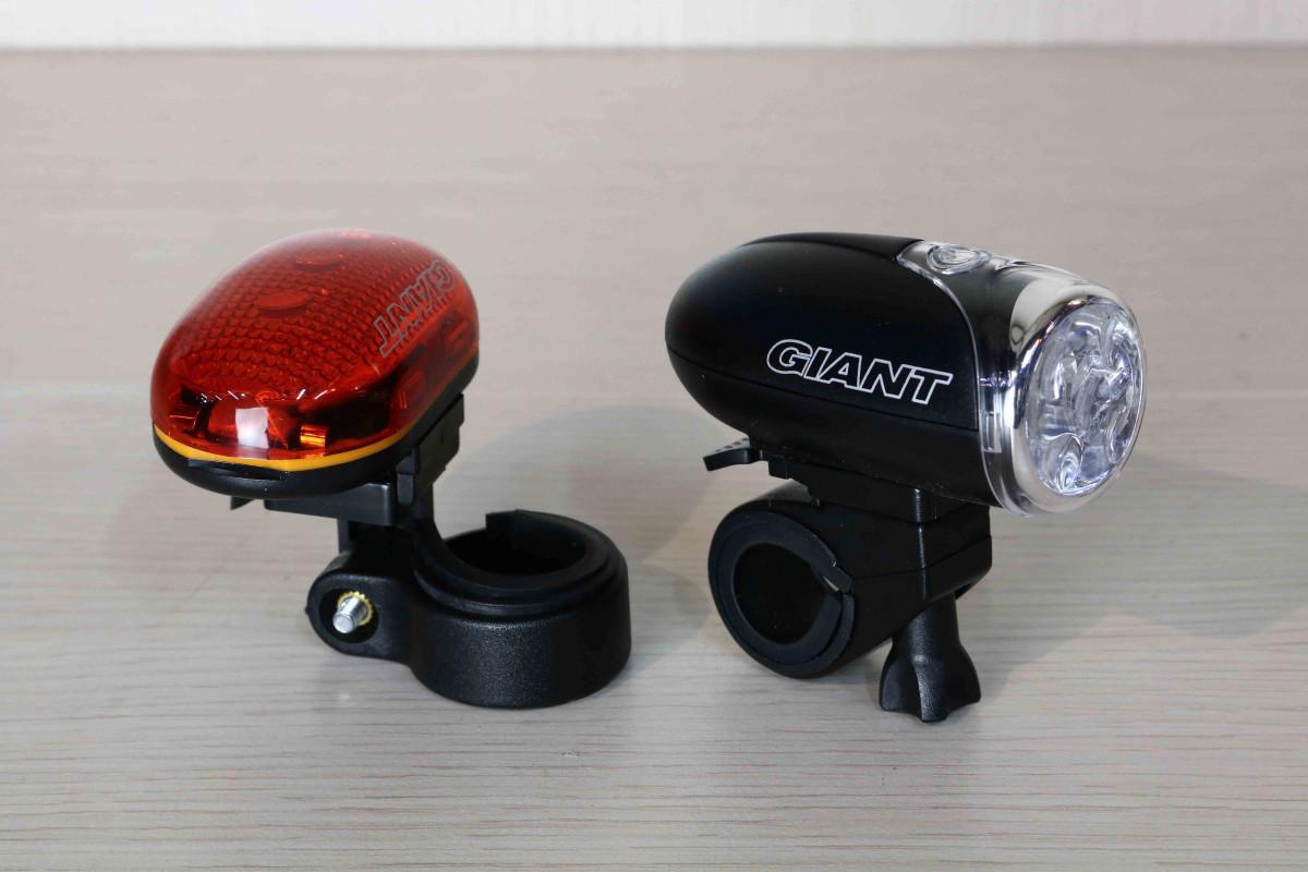 Combo 2 đèn xe đạp Illimininator Light với thiết kế vững chắc