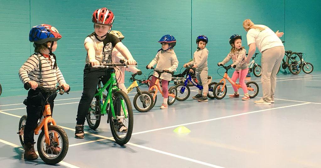 Ba mẫu xe đạp 3 bánh trẻ em tốt nhất cho con yêu từ 2 đến 7 tuổi