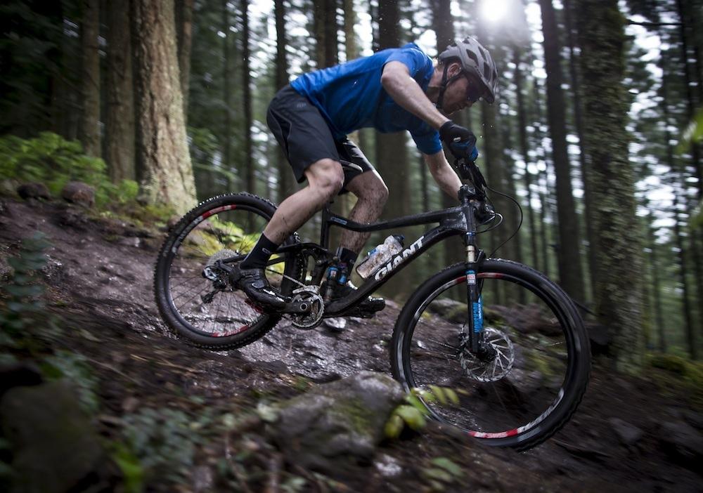 Sử dụng xe đạp thể thao với mục đích đạp trong rừng núi