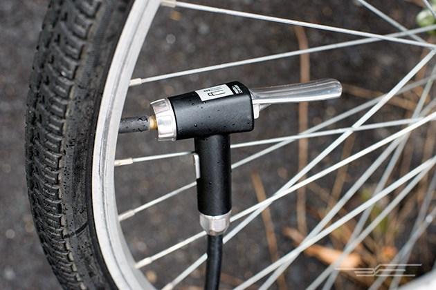 Chọn mua bơm xe đạp: Những điều bạn cần biết