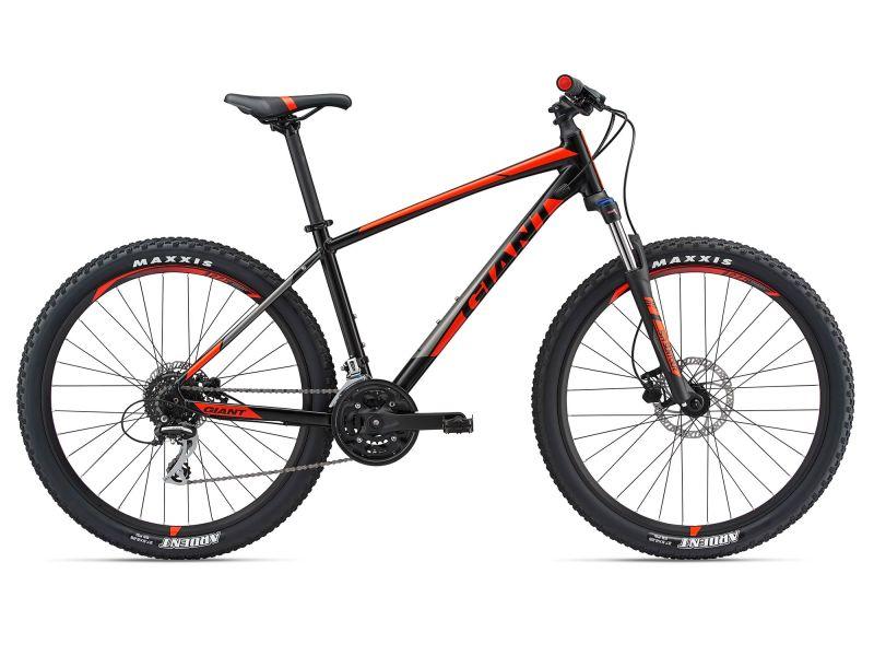 Xe đạp địa hình Giant Talon 3 2018 với màu sắc đen đỏ dành cho các nam cá tính