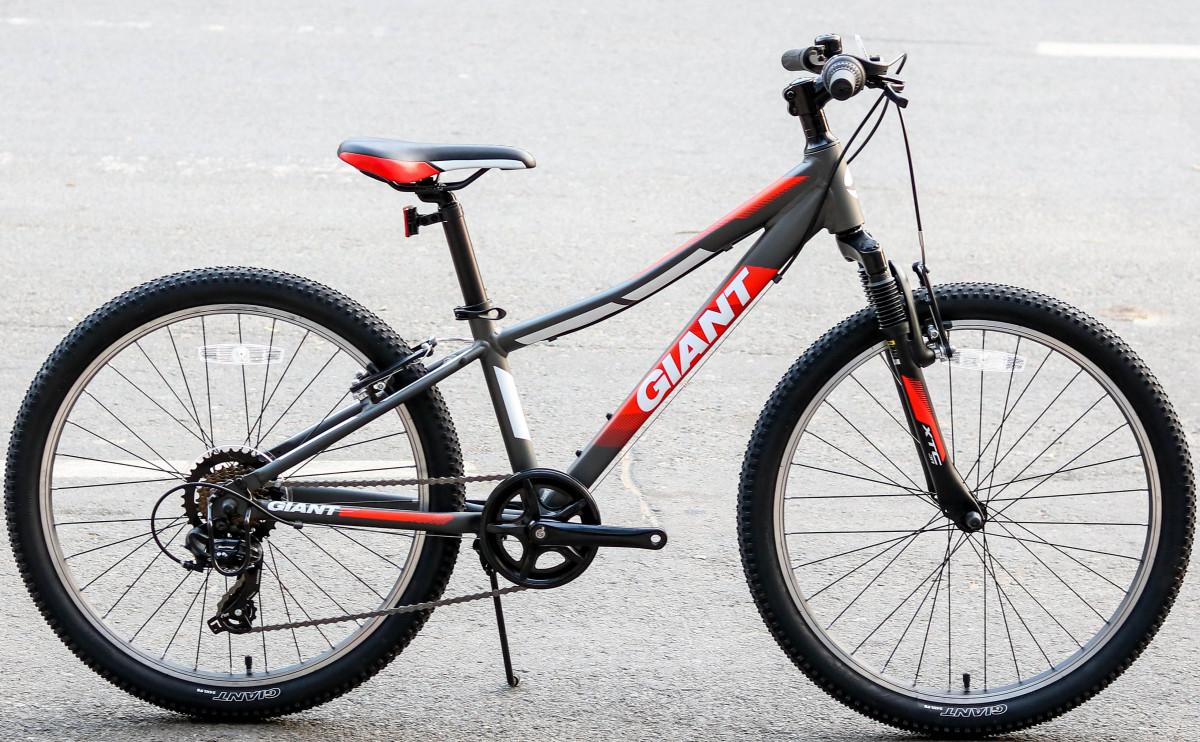 Xe đạp địa hình trẻ em XTC JR 24 với tong đỏ đen ấn tượng