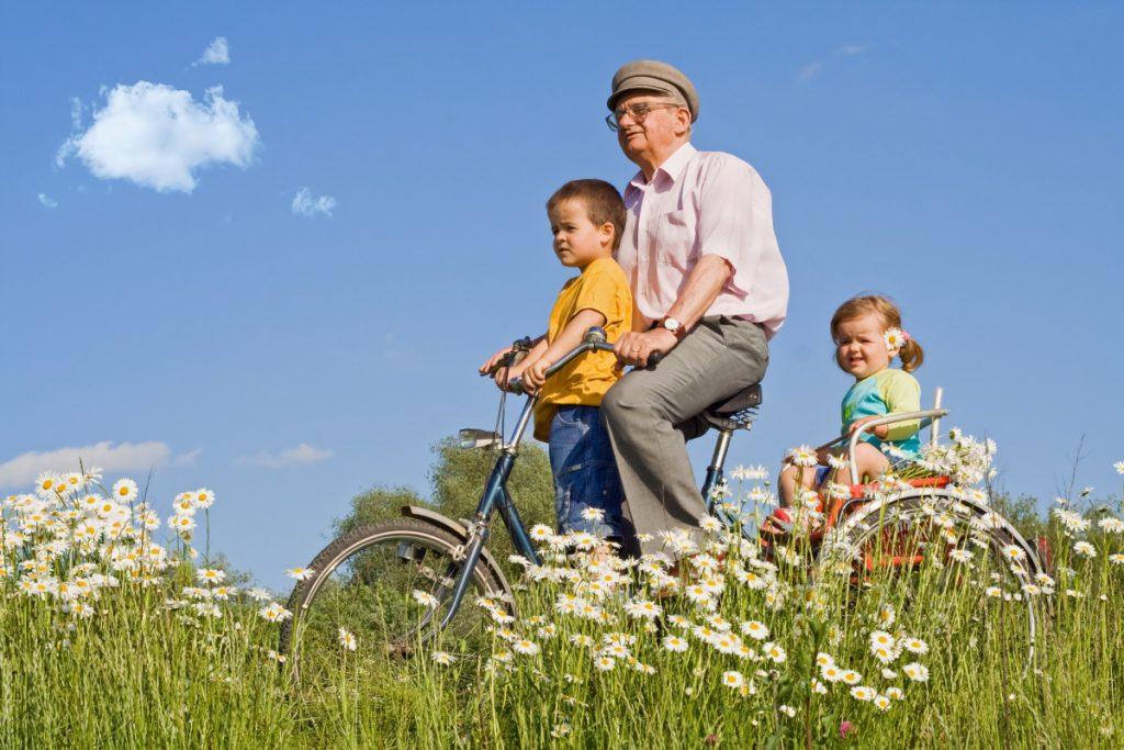 Đẩy lùi lão hóa không khó nhờ đạp xe hàng ngày