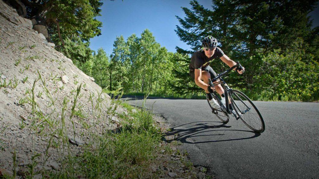 Làm thế nào để tăng tốc độ trung bình trên xe đạp road?