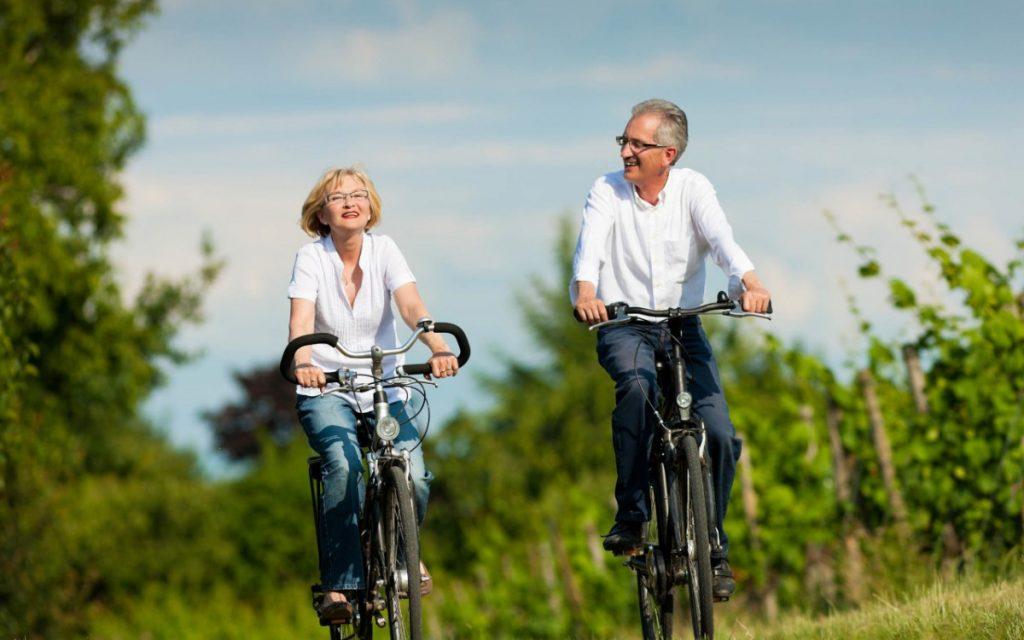 Thú vui chạy xe đạp thể thao của người trung niên
