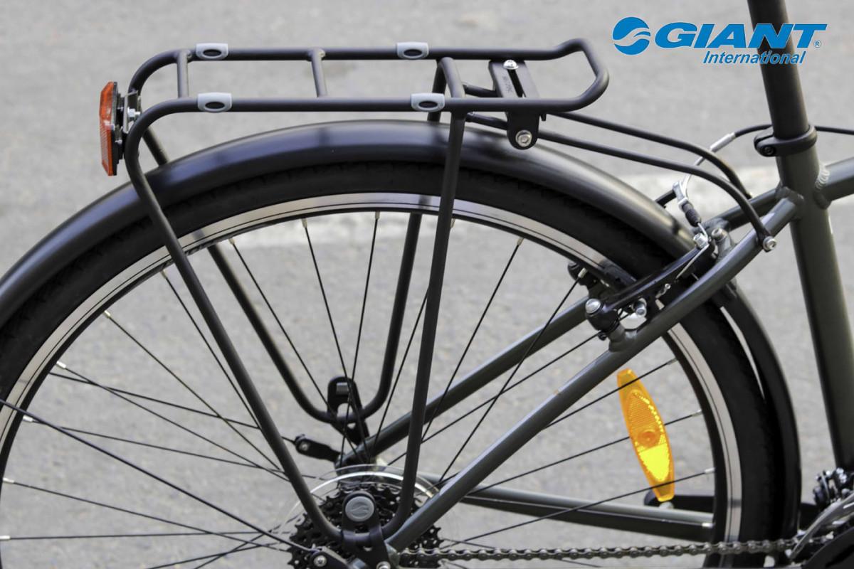 Baga xe đạp thể thao Escape 2 city giúp chở các vật dụng cần thiết khi di chuyển xa