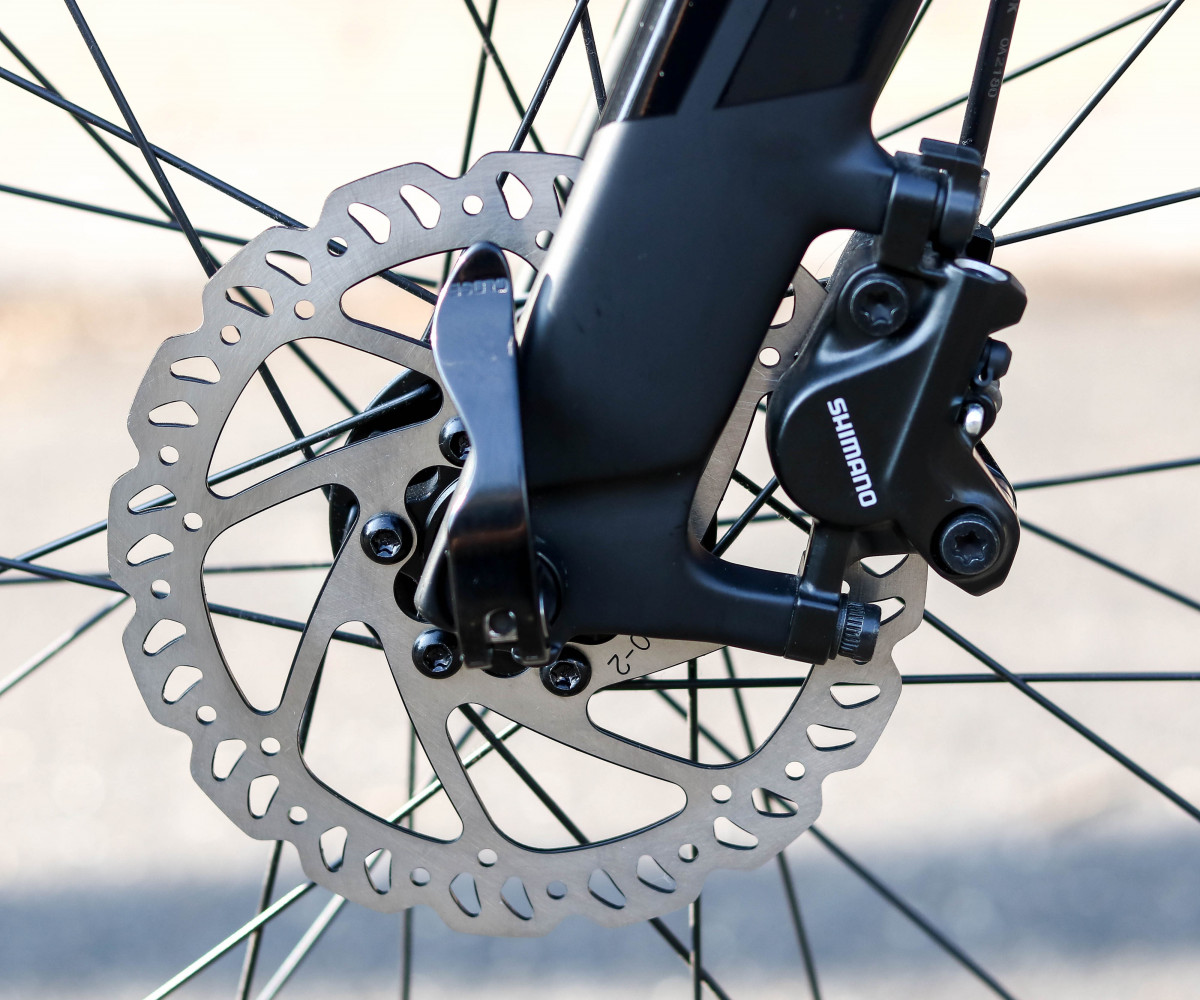 Xe đạp thể thao Giant Fastroad Comax 1 sử dụng phanh đĩa dầu cao cấp