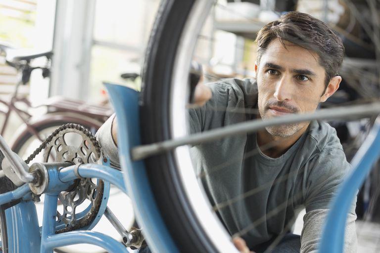 Kiểm tra xe đạp thường xuyên giúp xe luôn hoạt động trơn tru
