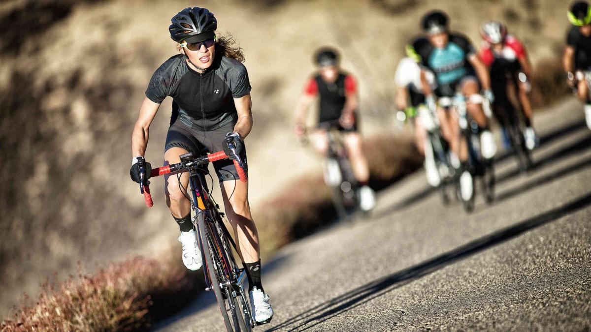 Các vận động viên nữ sở hữu thân hình đẹp nhờ tập luyện với xe đạp nữ đẹp mỗi ngày