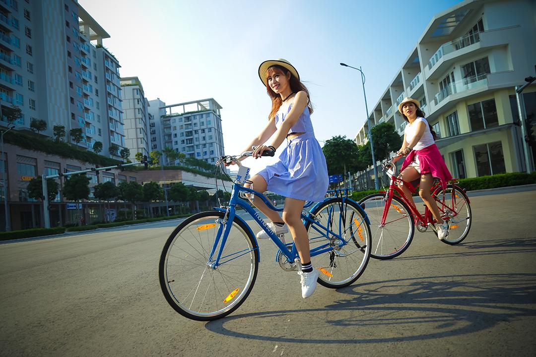 Các bạn nữ tự tin xuống phố với dòng xe đạp Momentum