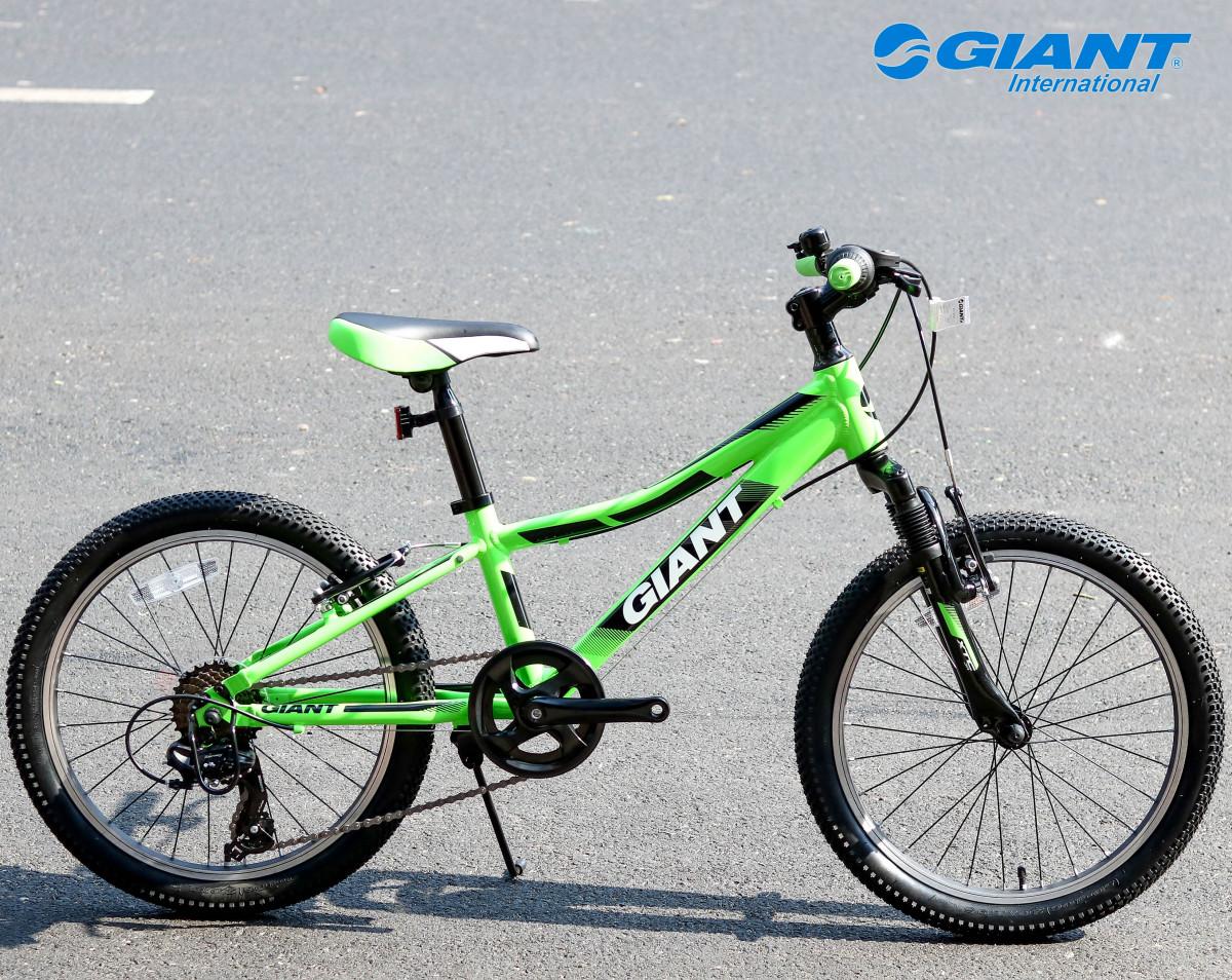 Giant XTC JR 20 dành cho các bé trai năng động từ 7 -9 tuổi