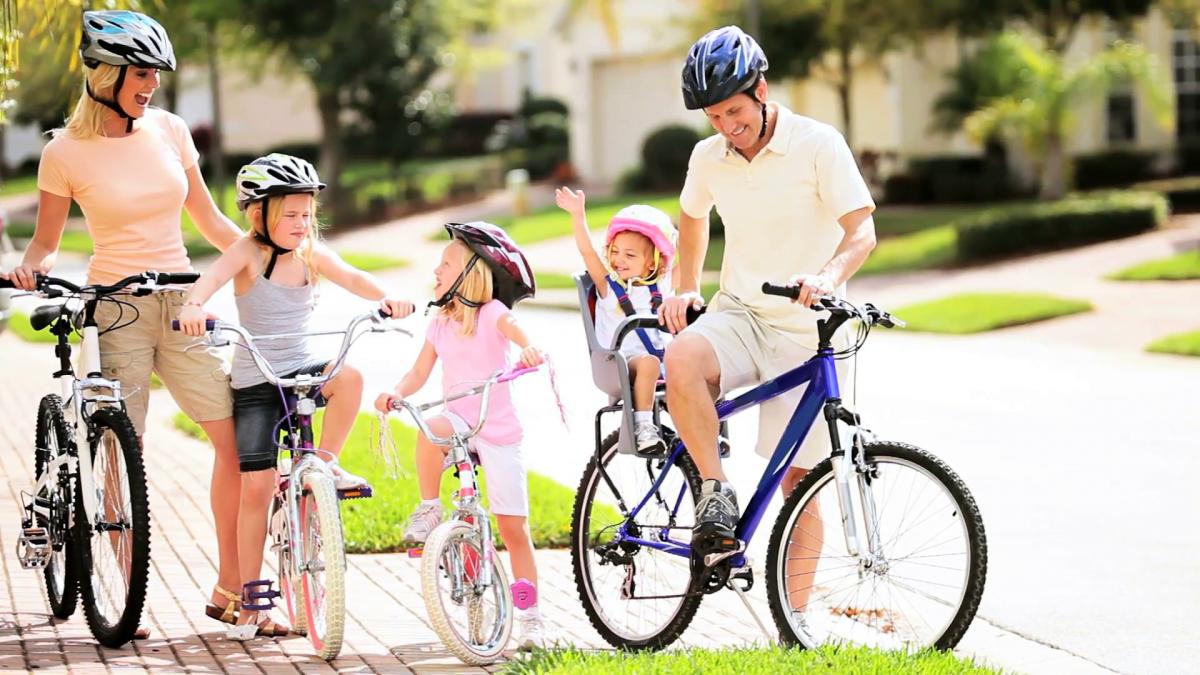 Phong cách sống của gia đình hiện đại là tập thể dục mỗi sáng