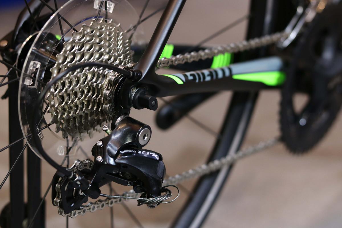 Xe đạp Giant TCR Advanced 2 được trang bị bộ chuyền động Shimano 105