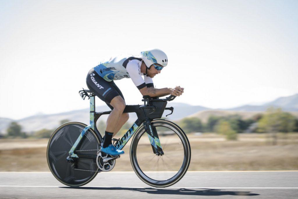 """Xe đạp tính giờ """"chiến binh"""" siêu tốc trong cuộc đua Ironman"""