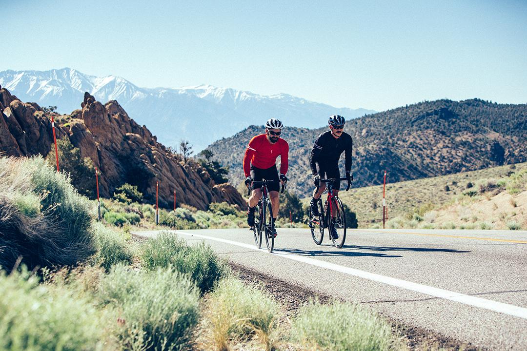 Liệu rằng bạn thích luyện tập một mình hay thích có bạn có bè cùng đạp xe?