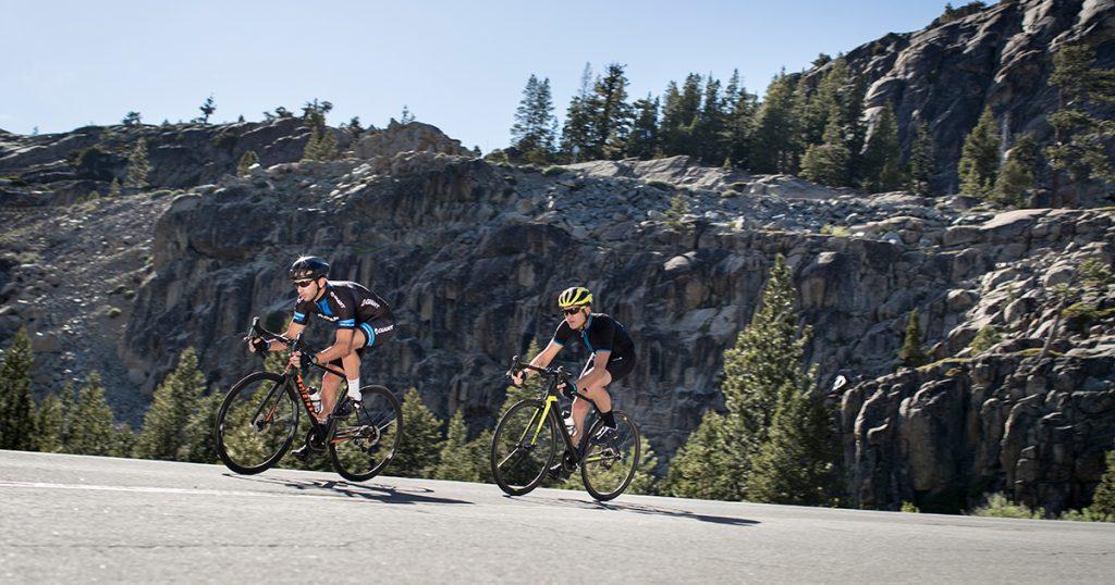Bạn thích đạp xe một mình hay đạp xe cùng bạn bè?