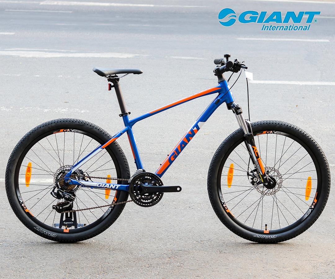 Giant ATX2 phiên bản màu xanh đầy cá tính