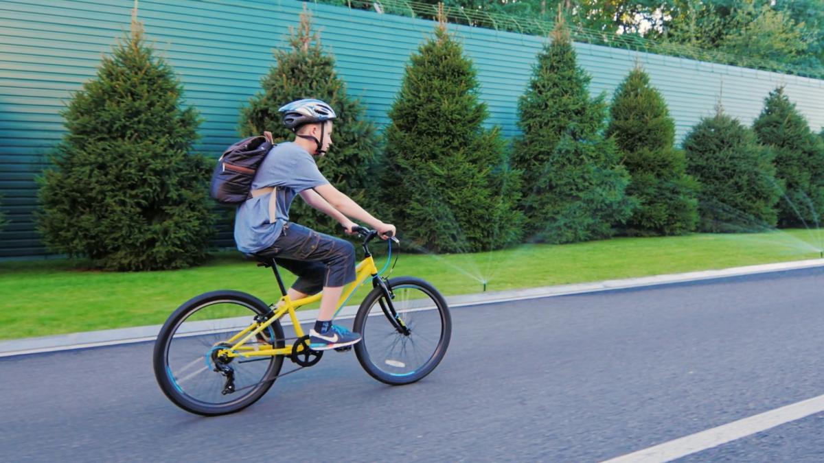 Đạp xe là phương pháp hỗ trợ tăng chiều cao vừa đơn giản vừa hiệu quả