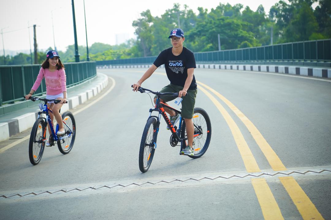 Các bạn trẻ Sài Gòn chọn xe đạp để vui chơi vào những lúc rãnh rỗi