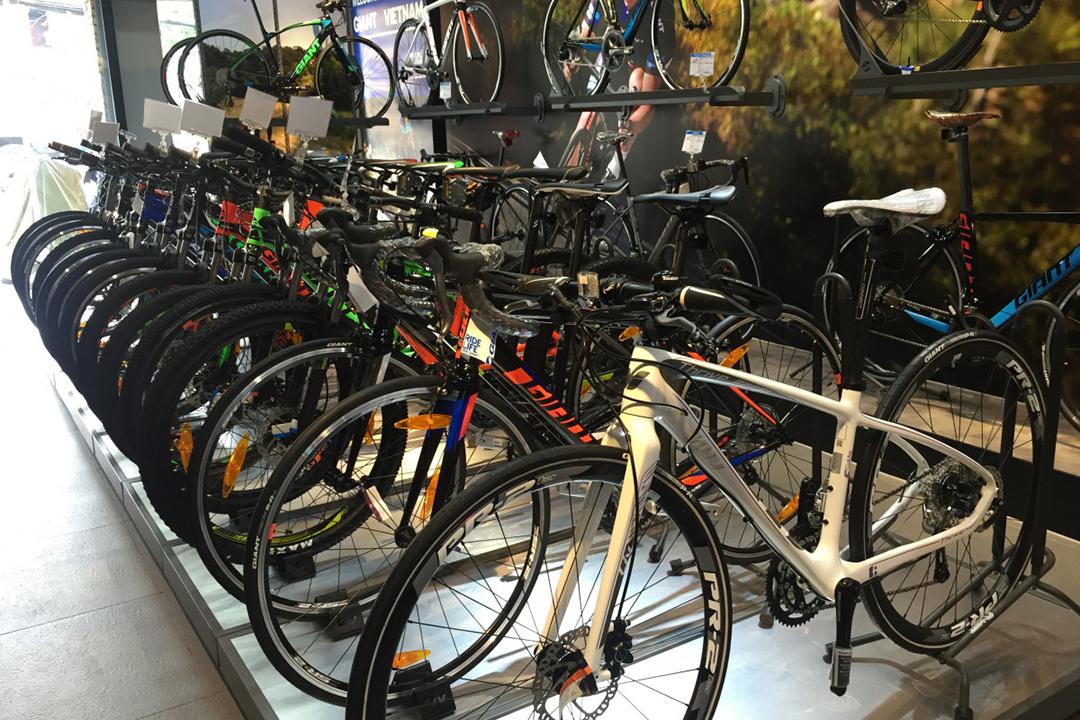 Những mẫu xe đạp đua chất lượng được bày bán tại Showroom Giant International