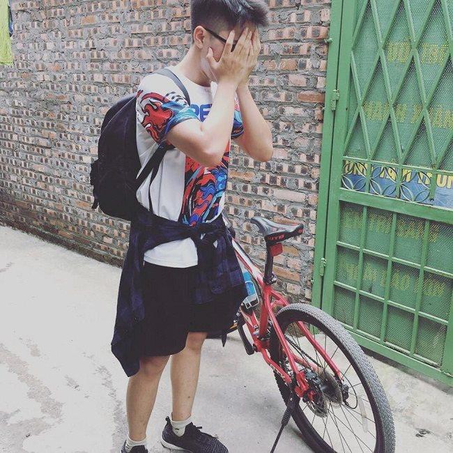 Phan Quang Tú đạp xe suốt 7 tiếng đồng hồ để nhập học