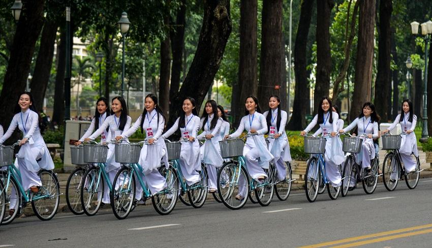 Nhiều bạn học sinh lựa chọn đạp xe mỗi ngày để cải thiện khả năng tập trung