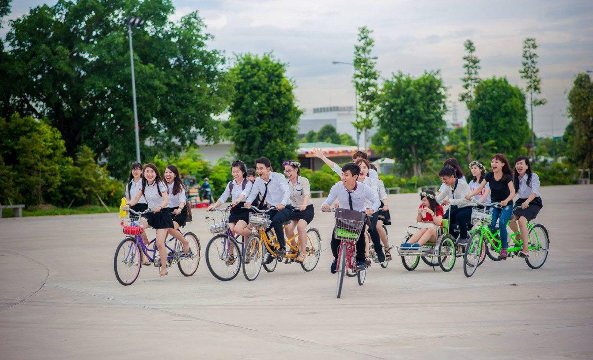 Đạp xe đến trường giúp các bạn học sinh có những phút giây thư giãn