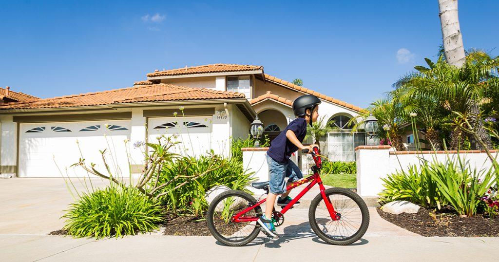 Thật bất ngờ, ở Đan Mạch trẻ 5 tuổi tự đạp xe đến trường!