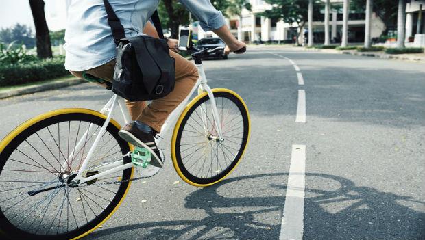 Teen nên đi đúng làn đường khi tham gia giao thông