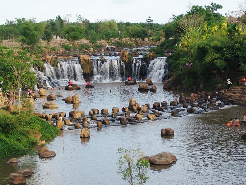 Vẻ đẹp hoang sơ các phượt thủ dễ dàng bắt gặp khi đến thác Giang Điền