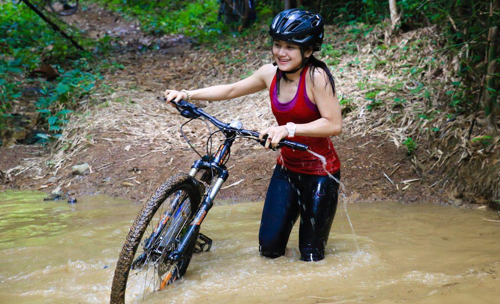 Kỷ niệm khó quên khi phượt bằng xe đạp vượt rừng băng sông