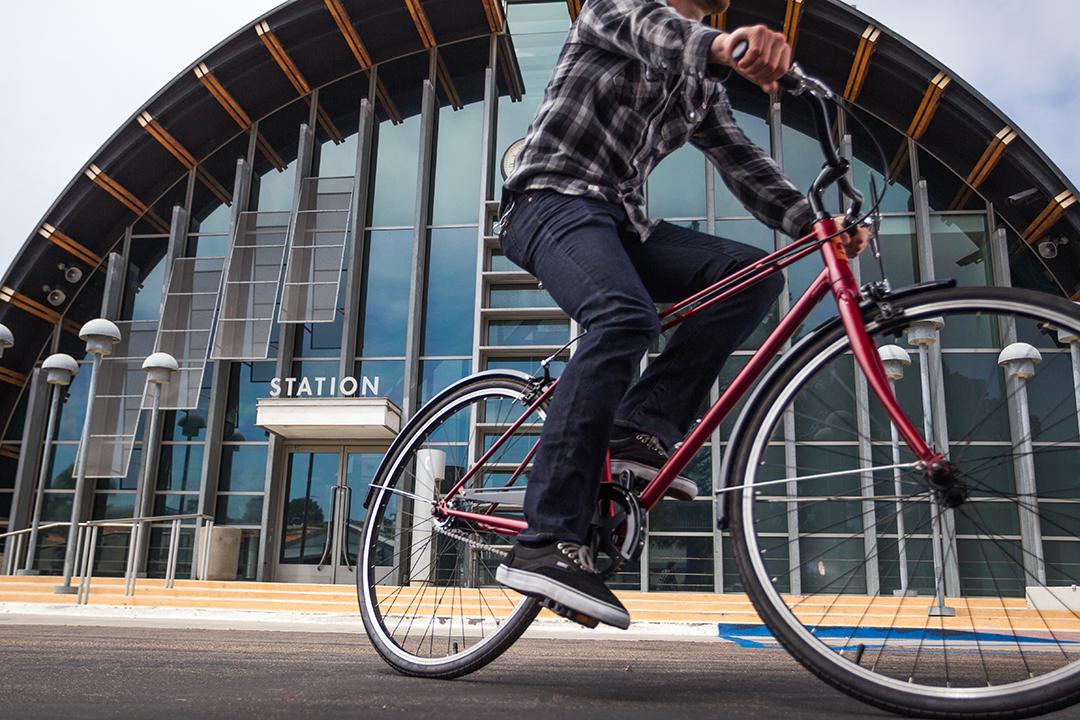 Đạp xe đi làm giúp tiết kiệm từ 6 đến 44 triệu tiền xăng mỗi năm