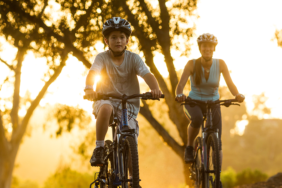Đi bộ, đạp xe giống như nút tái tạo năng lượng