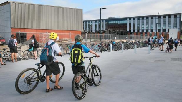 Học sinh ở Đan Mạch đạp xe hoặc đi bộ có khả năng tập trung cao hơn các bạn sử dụng phương tiện khác đến trường