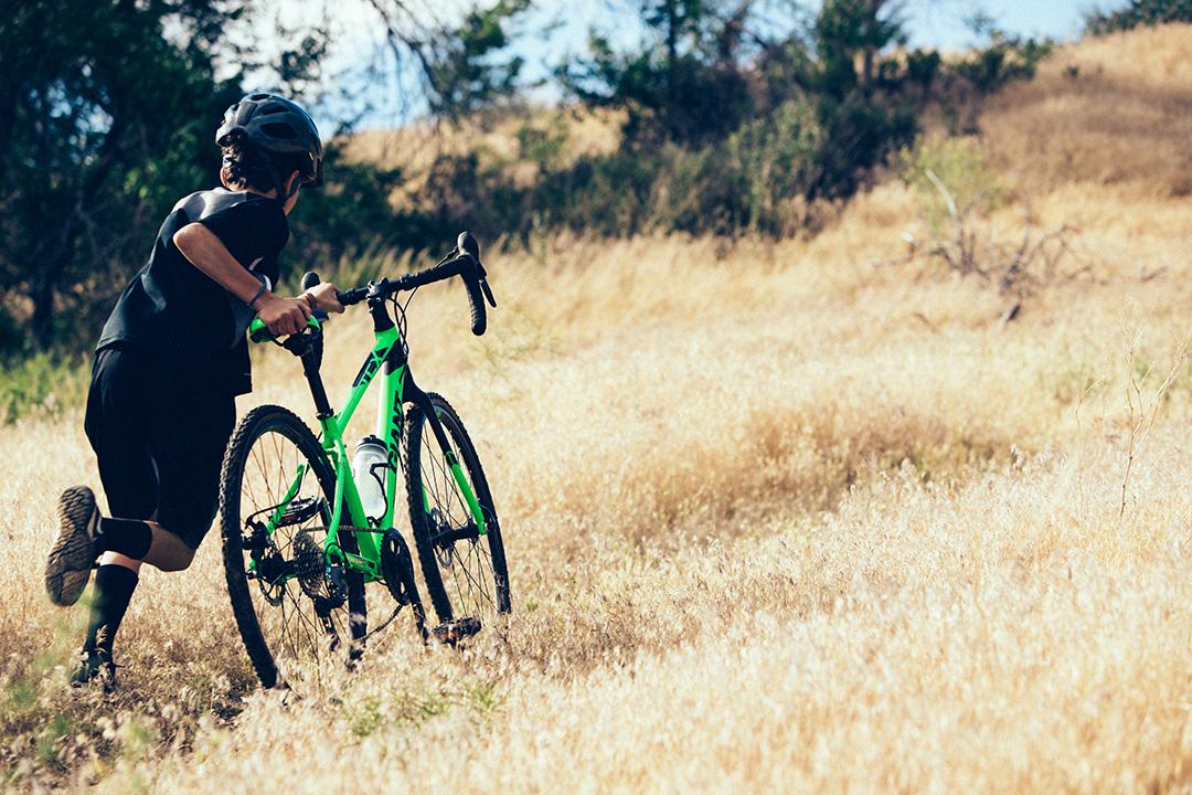 Nên cân nhắc kỹ số tiền cần chi khi mua xe đạp thể thao đi học