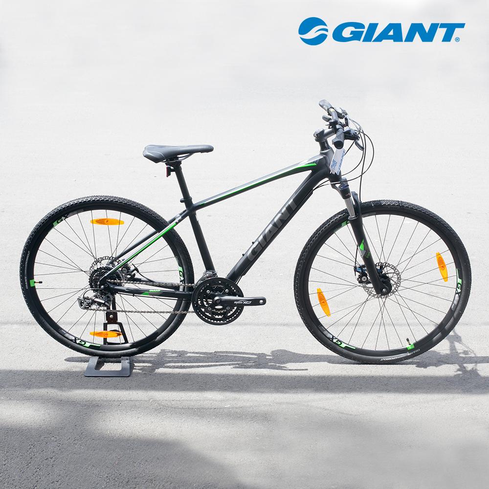 Roam 3 Disc dòng xe đạp lai kiểu dáng cứng cáp