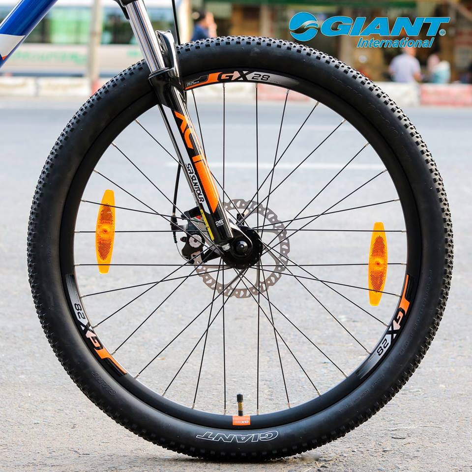 Hệ thống bánh 27.5x2.1 inch di chuyển linh hoạt trên mọi nẻo đường