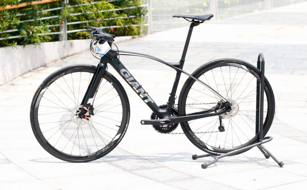 Ngắm nhìn xe đạp thể thao FastRoad CoMax 1