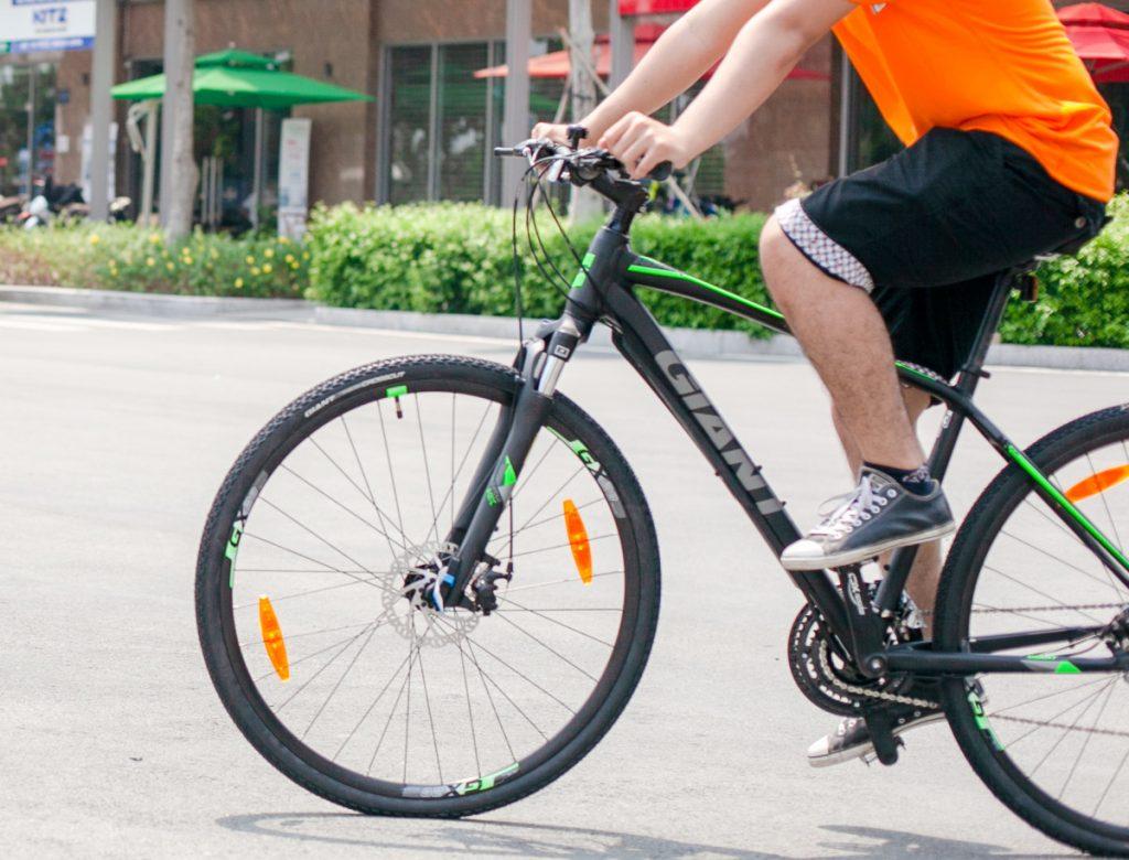 Ngắm nhìn xe đạp thể thao Roam 3 Disc