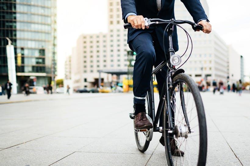 Bạn nên dành ra khoảng 2,5 tiếng đạp xe mỗi tuần