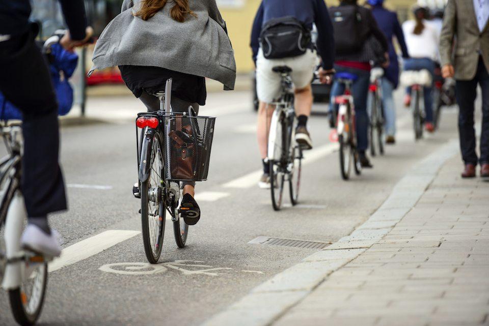 Đi xe đạp giúp giảm chi phí đi lại