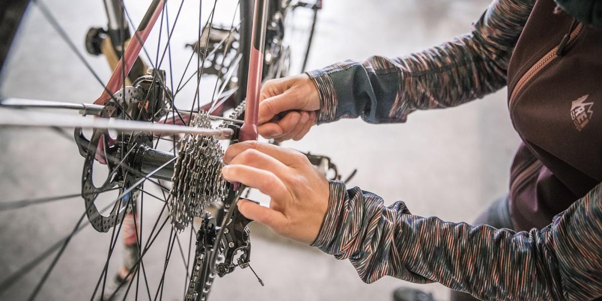 Trước mỗi hành trình đạp xe cần kiểm tra kĩ các bộ phận của xe để đảm bảo an toàn