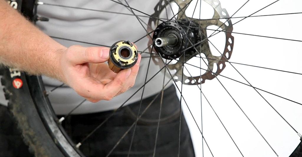 Sau mỗi lần đạp xe, nếu phát hiện có bộ phận hư hỏng phải kịp thời bảo dưỡng