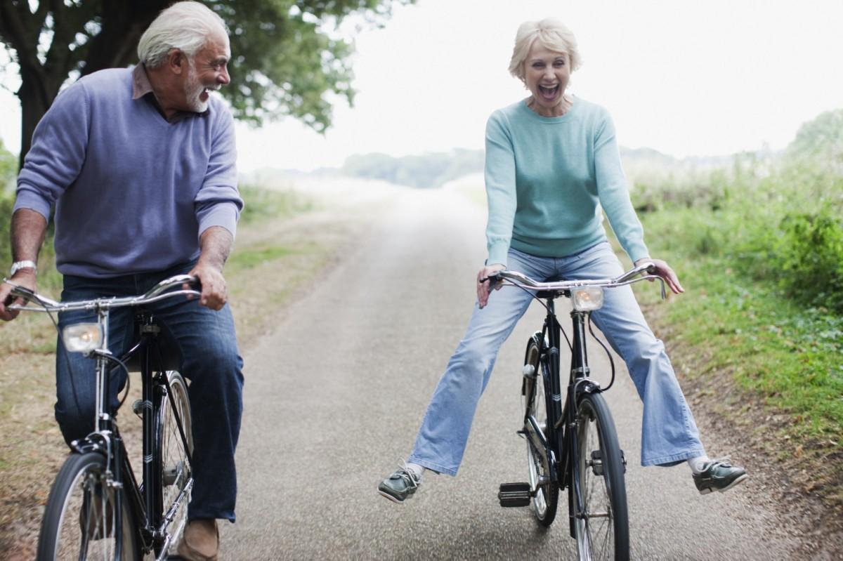 Đạp xe tạo ra ít tác động đối với cơ thể hơn so với người già