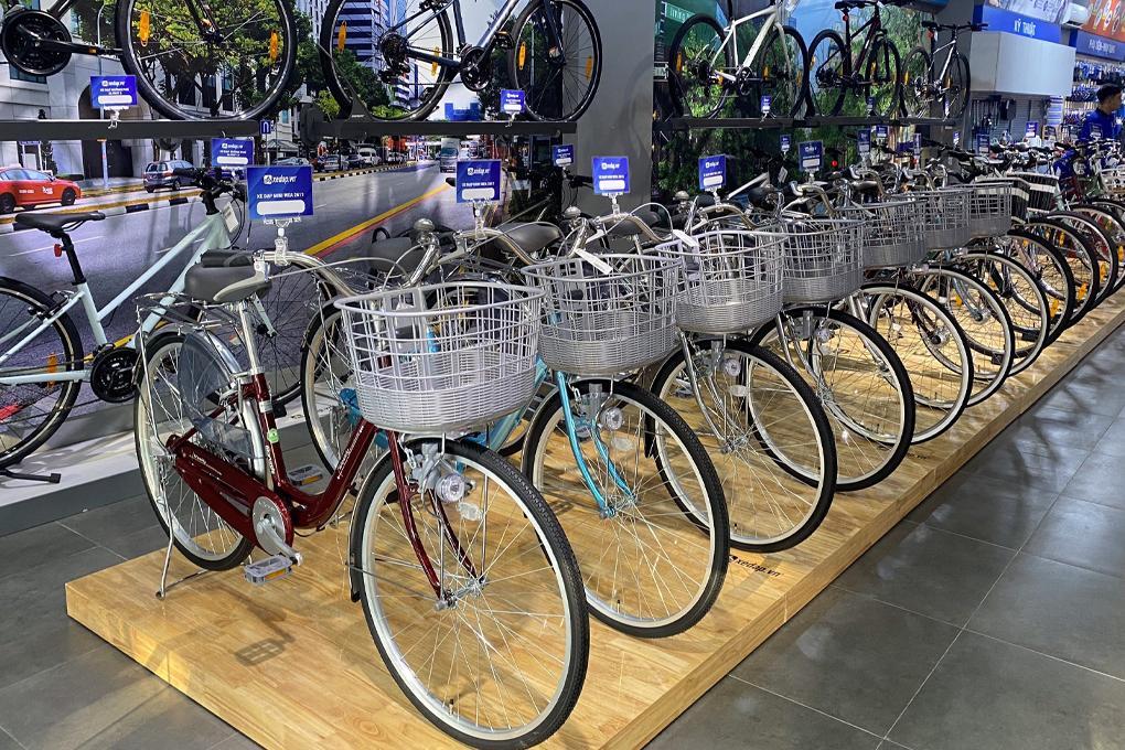 Khu vực trưng bày xe đạp nữ tại cửa hàng Xedap.vn Âu Cơ