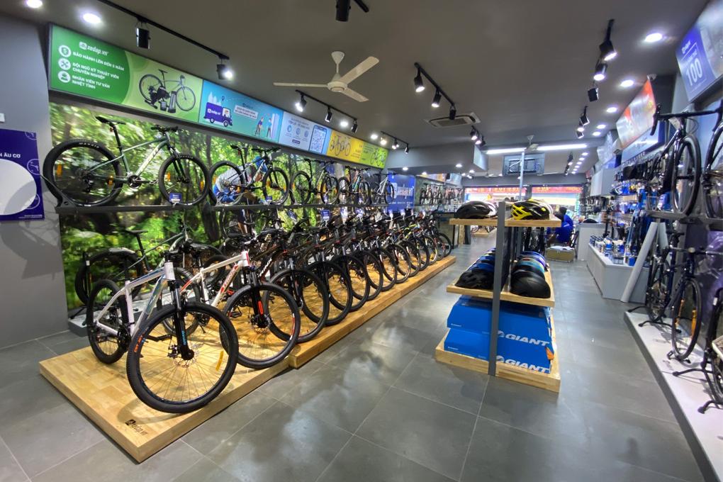 Sản phẩm được trưng bày đa dạng tạo không gian mua sắm thoải mái nhất cho khách hàng