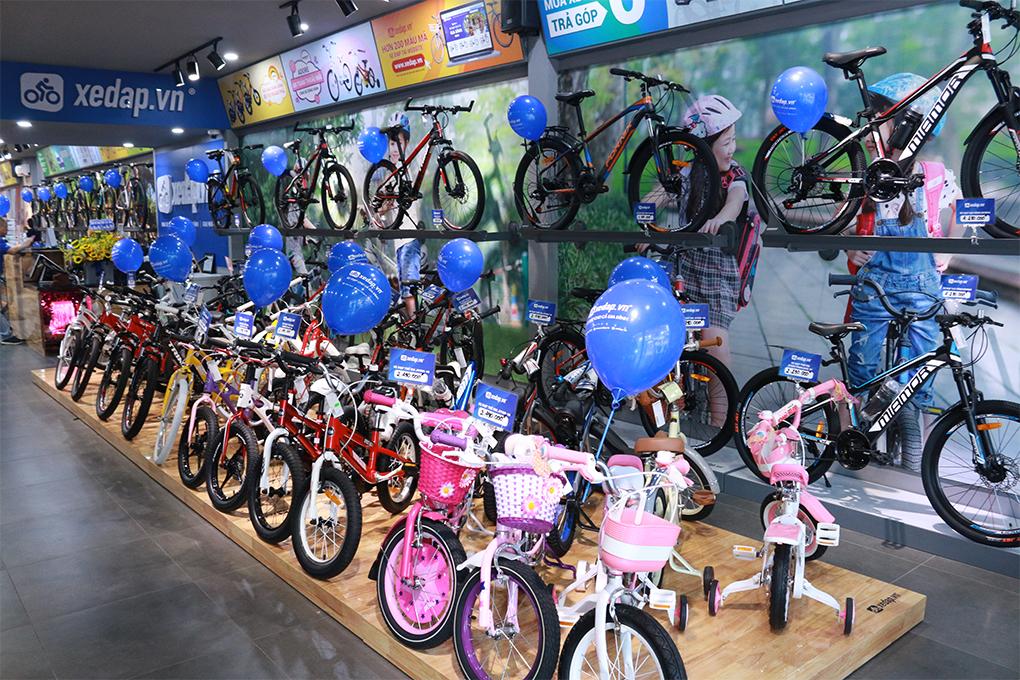 Xe đạp trẻ em được trưng bày đa dạng và bắt mắt