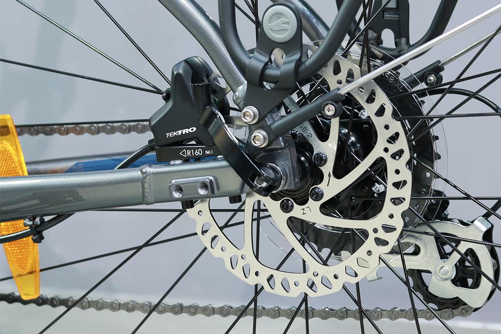 Xe đạp đường phố touring Giant Escape 2 City Disc - 2021 sử dụng hệ thống phanh đĩa dầu Tektro HD-R280.